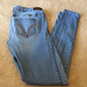 Hollister jeans size 7R low rise super skinny